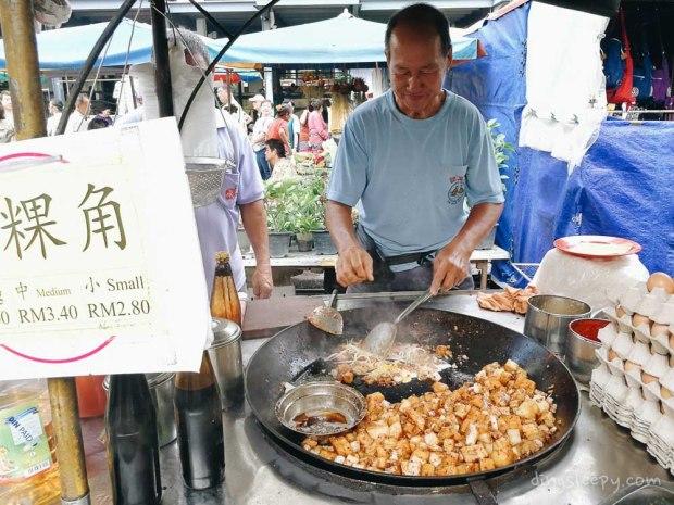 must eat food in penang stir fry chwee kueh