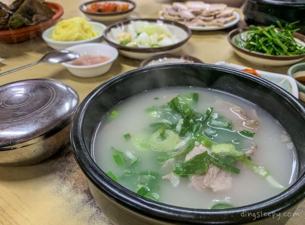 food in busan dingsleepy pork soup
